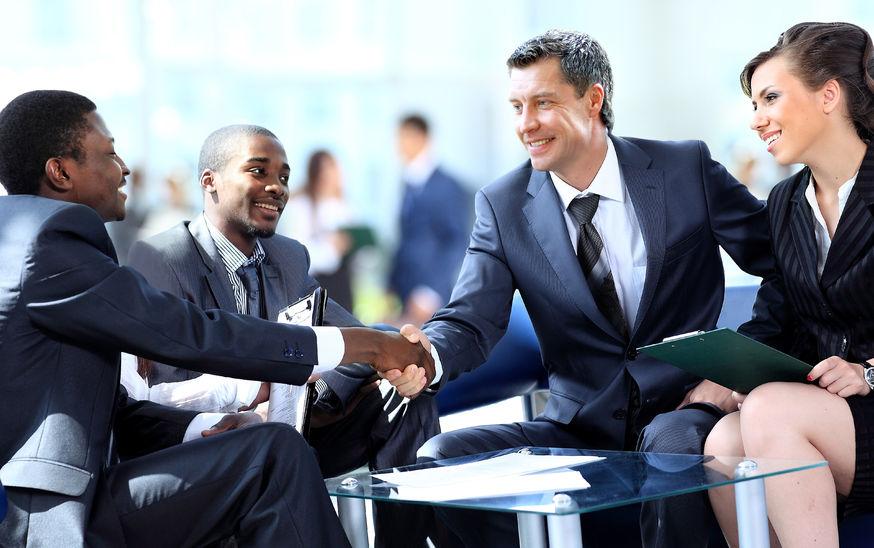 leadership behaviors - group of people engaging